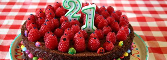 El 21 cumpleaños es un día muy importante en la vida de una persona. Te ofrecemos unas invitaciones muy divertidas para esta ocasión tan especial.